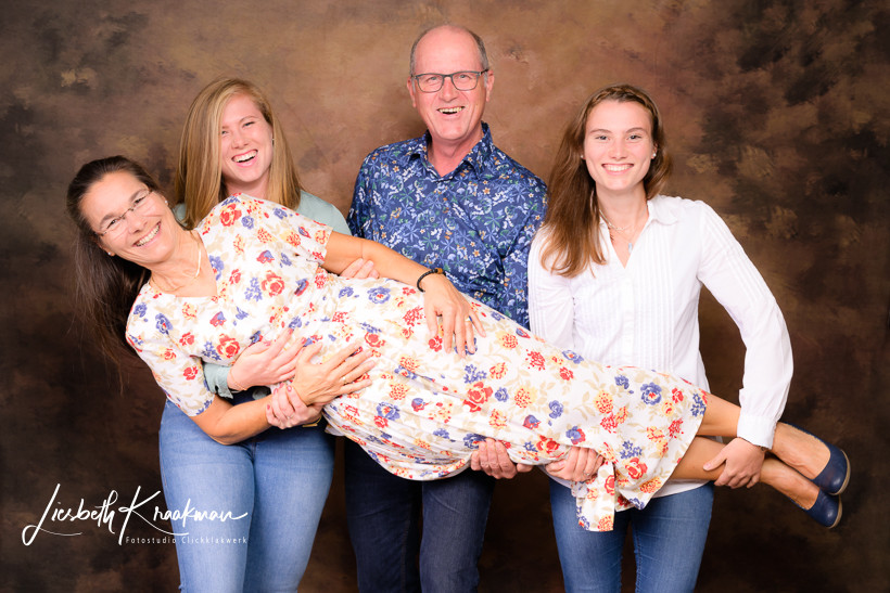 Familie-kinderfotograf-familienfotograf-familien-newborn-papenburg-fotostudio-lisbeth-kraakmann-009